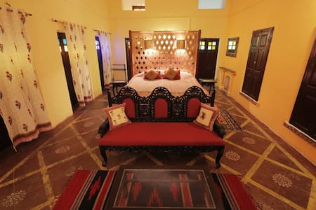 Deluxe Heritage Palace room in Ranakpur.