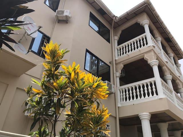 Ishmajoso Lodge Flat 1 - Room 2