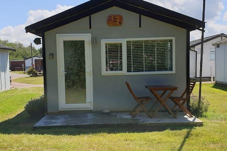 'Tom's Cabin' in the heart of Mundesley