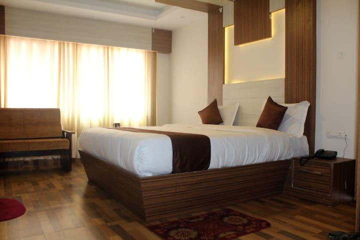 Hotel Gangothri - Deluxe Room