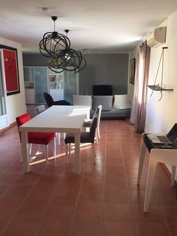 Maison Provençale avec piscine idéale pour famille