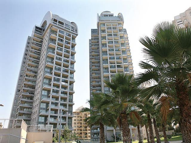 3Bdr apartment in Luxury Project - Netanya  - Lägenhet