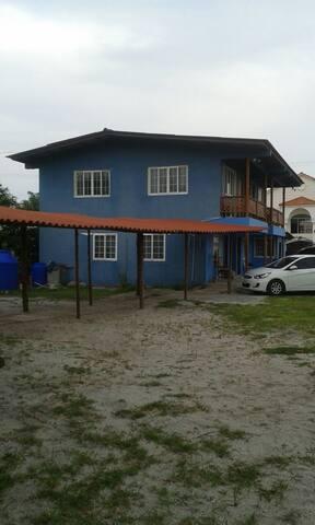 Lotsawatta Lodge/Hostel - Nueva Gorgona - Bed & Breakfast