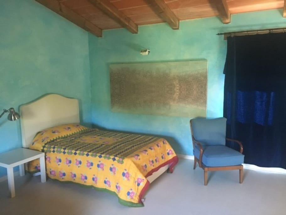 stanza da letto con bagno in camera