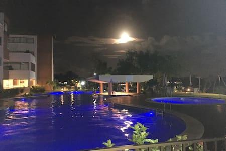 APT de Alto Padrão em Guarajuba - Camaçari - Apartment-Hotel