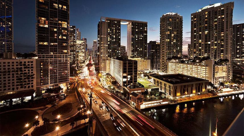 DOWNTOWN MIAMI HIGHRISE 46FLOOR!!SPA+POOL+GYM