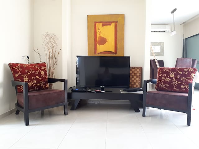 Living room TV cable / Multimedia