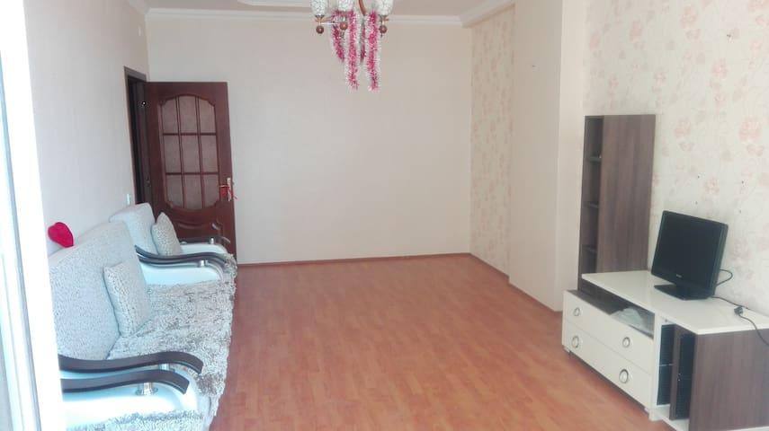 "Apartments near the metro station ""Hezi Aslanov"" - Bakı - Appartement"