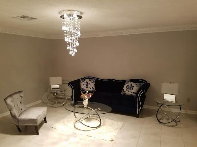 Luxurious,Modern, large, Queen Bed - New Orleans - Dům