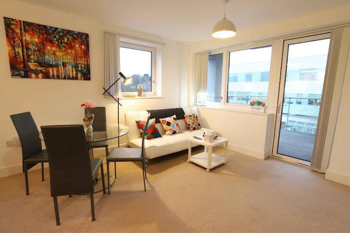 Grand Central Broadstreet Large Spacious Apartment