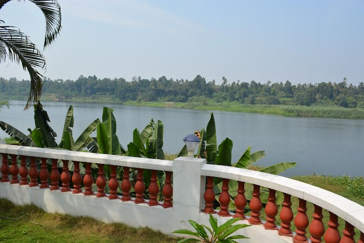 Periyar Homestay | RiverView - A/C | Cochin Aiport - Chelamattom part
