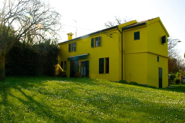Villa Civetta - Serrungarina - Hus