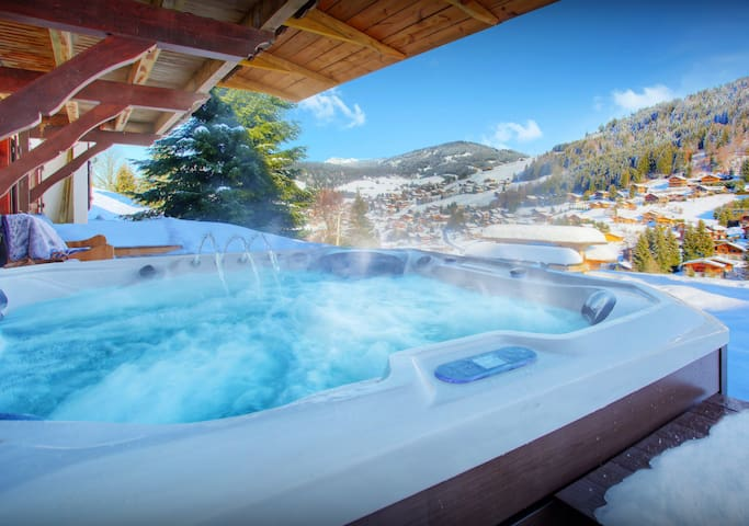 Ski in ski out 4* chalet for 14 - hot tub, sauna, terraces - OVO Network