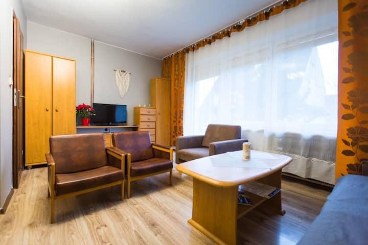 Limanowa,  Pokój z łazienką i aneksem kuchennym