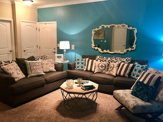 One Bedroom Trendy Comfy Apartment - Louisville - Apartment