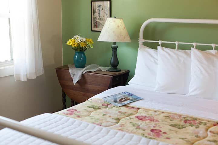 Inn & Spa at Cedar Falls Inn Guest Room