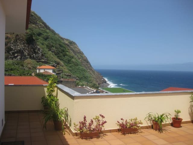 Sea View Apartment - Porto Moniz - Wohnung