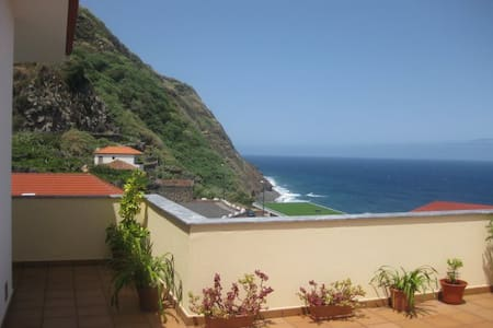 Sea View Apartment - Porto Moniz