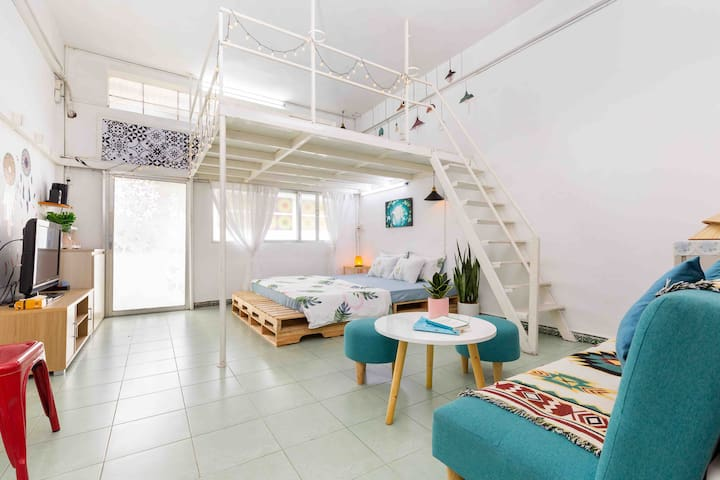 Cozy^LOFT APT^2BRs 5mins to BEN THANH@ District 1.