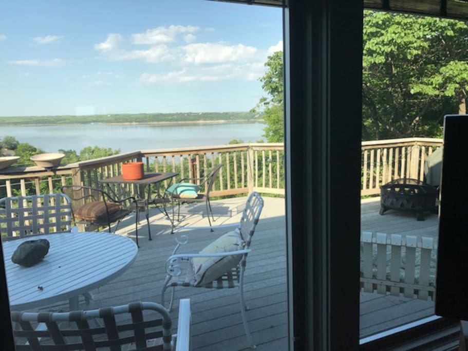 Take a Nap, Read a Book, or just Enjoy Watching the lake, birds, and wildlife from this Secluded Large Back Deck