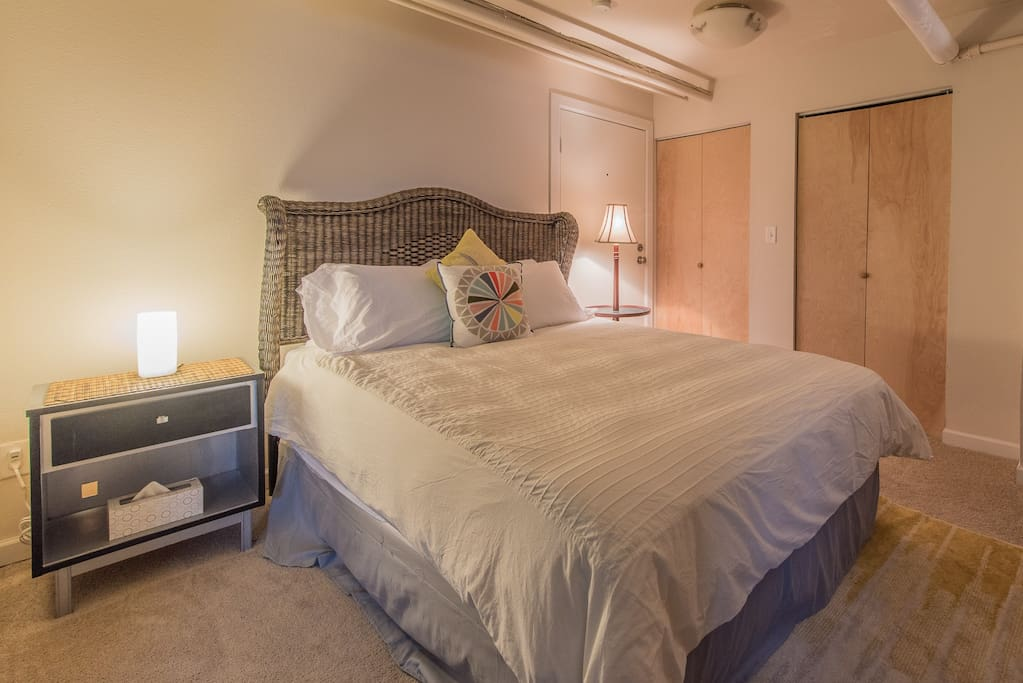 """""""Bed was really comfortable and the host added a lot of little extras"""" - Helen from United Kingdom"""
