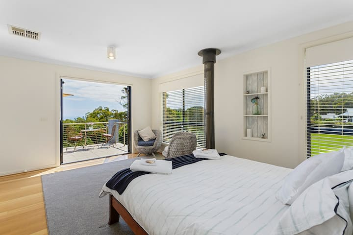Carawah House, Romantic Getaway Studio Apartment