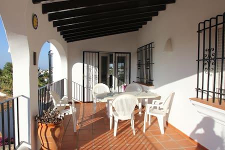 Casa Milton, Monte Pego, Sleeps 8, Private Pool - Monte Pego - Vila