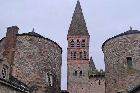 Gîte de l'Abbaye - Tournus - บ้าน