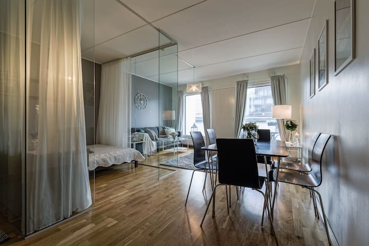 Luxurious Modern Condo in City Center