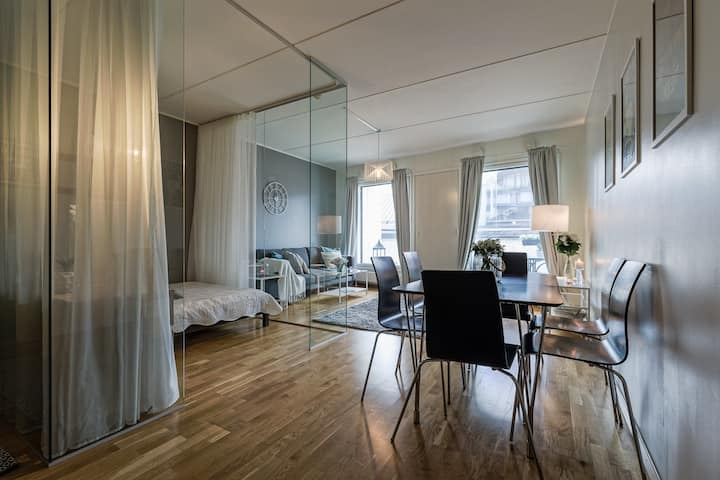Luxurious Modern Condo in City Center