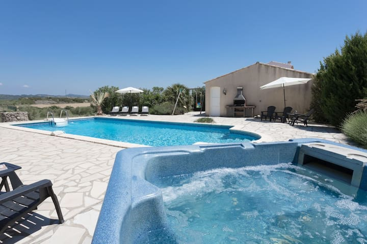 Spacious villa with studio and private olive grove in the beautiful Aigne