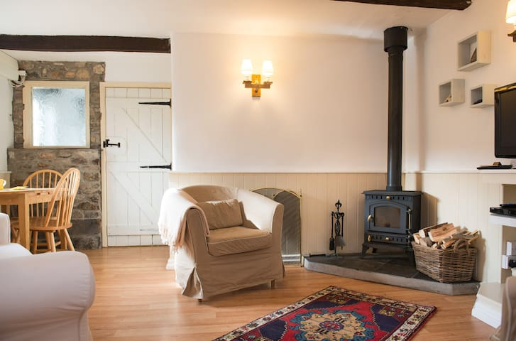 Cheristow Farm Cottages - Linhay - Hartland - House