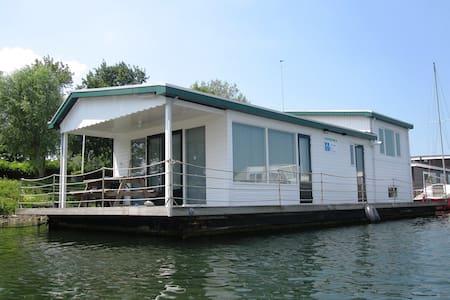 Woonboot op het Veerse Meer - Kortgene - Bateau