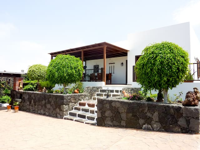 Relaxing Holiday Home Minuky - Costa Teguise - Leilighet