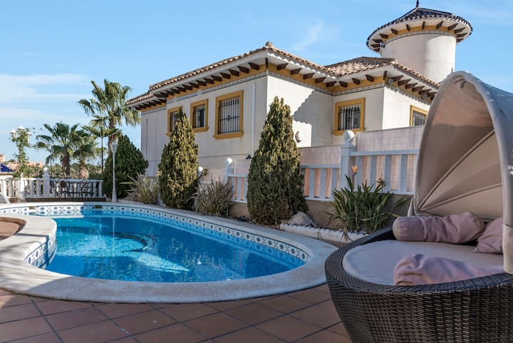 Amazing Villa Ideal for golf or family holidays