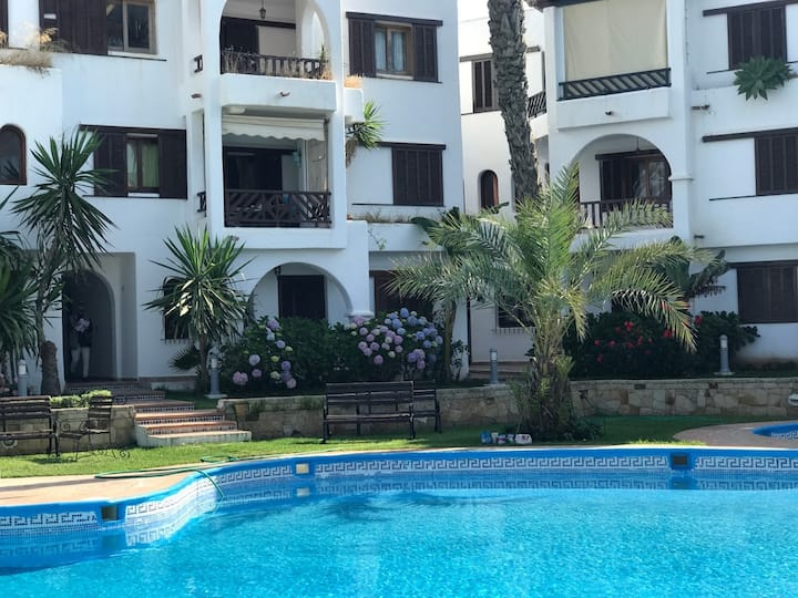 Apartment with 2 bedrooms in Cabo negro, with shared pool, furnished terrace and WiFi - 150 m from the beach