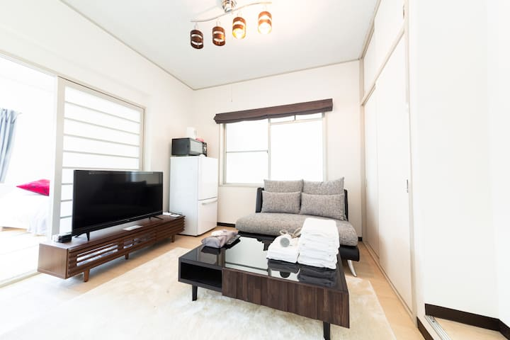 10 minutes to Namba! Comfy room for 6 pp! wifi★401