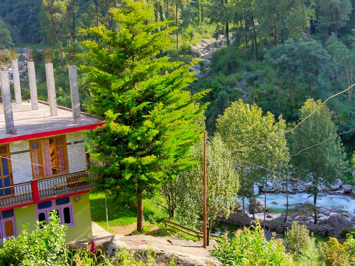 Tirthan valley tara homestay