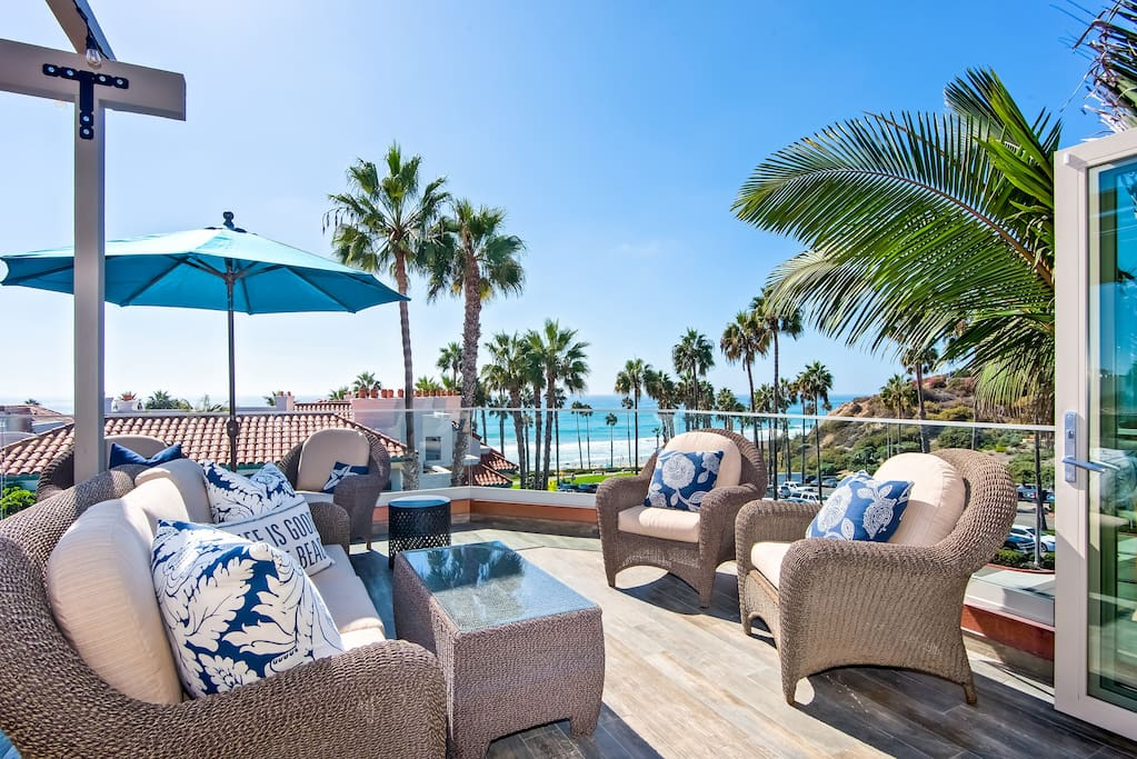 Enjoy non-stop 360 degree ocean, beach & whitewater views.  You'll be on top of the world staying at this San Clemente luxury beach rental!