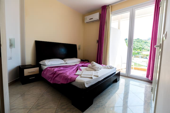 Double Room with Partial Sea View - Hotel Garden