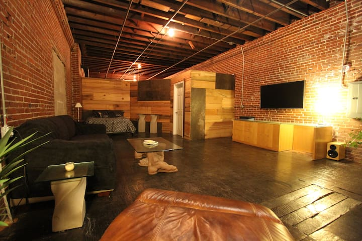Modern Artist Loft Best Place in Downtown St Louis - St. Louis - Çatı Katı