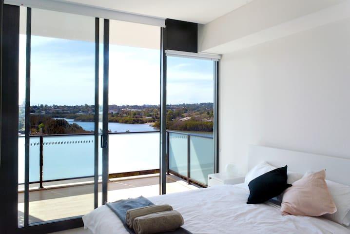 Wentworth Point Waterview Brand New 2 Bedroom Apt.
