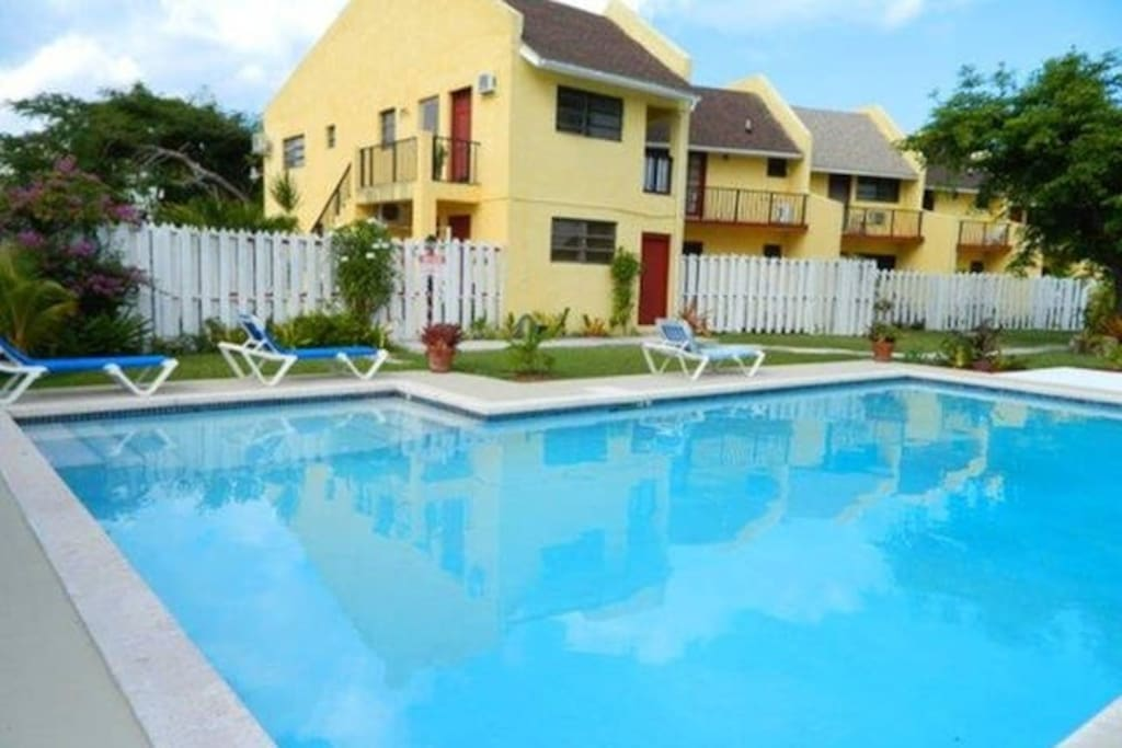 Comfortble Apartmnt In Classy West Apartments For Rent In Nassau New Providence Bahamas