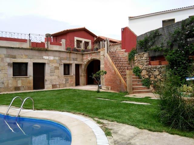 Apartamento con chimenea y jacuzzi