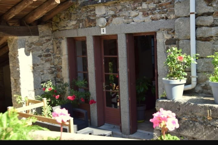 grand studio  confort coeur Sidobre Tarn Occitanie