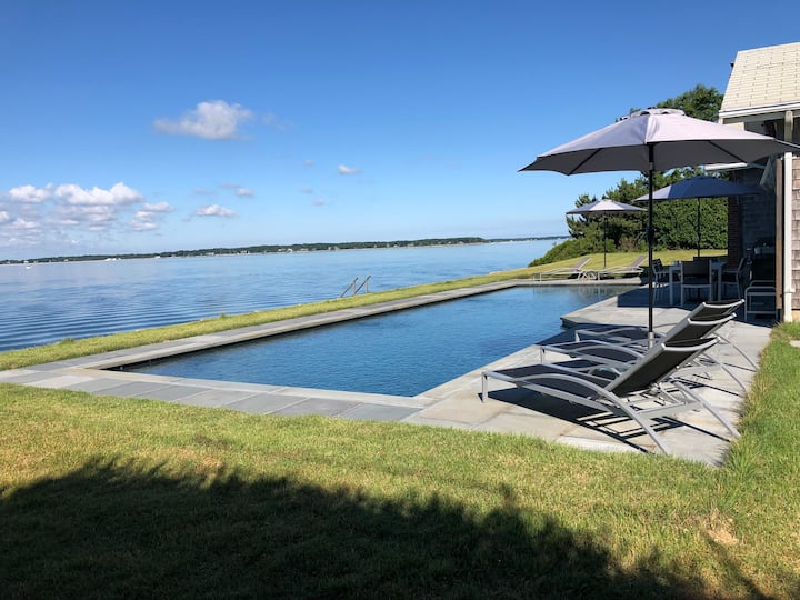 Beachfront home with forever water view, 50' pool