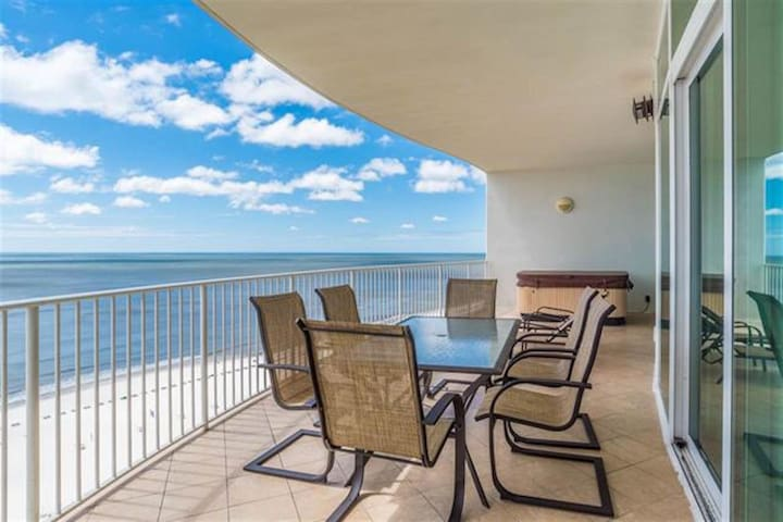 Turquoise! Luxury Gulf Front Condo! Hot Tub on Porch!