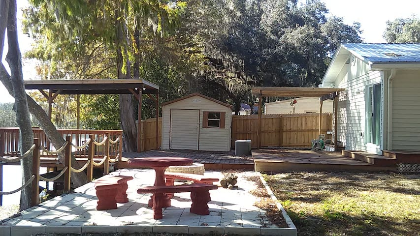2 BR Home & Private Dock on the Tsala Apopka Chain - Floral City - Casa