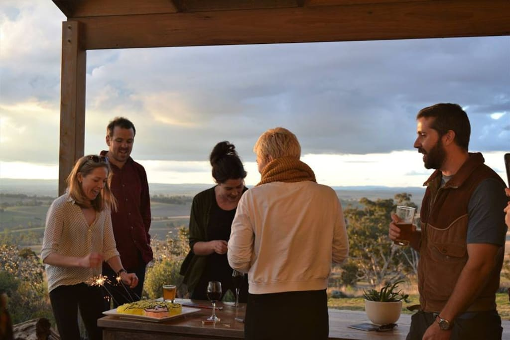 The front verandah has an outdoor sitting and dining area, a great place to gather and watch the sunset. There is also a large pizza oven for wood fired pizzas.
