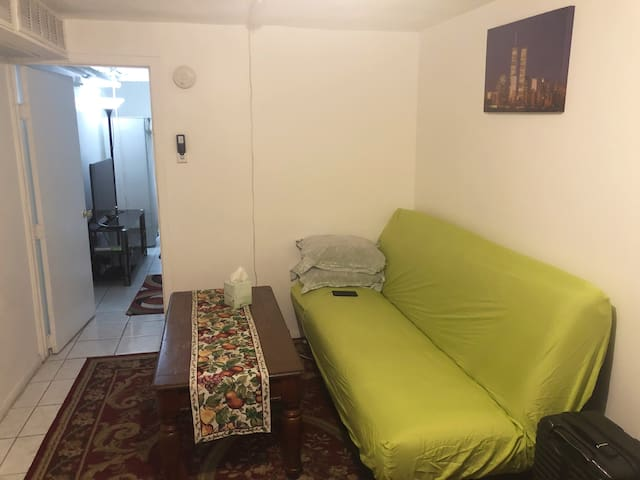 Central Located Private Apartment, New York Queens